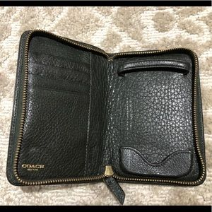 Vintage men's Coach cell phone/wallet zip around